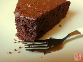 Source : http://www.chahiatayba.com/recettes/130/Gateau-au-chocolat-