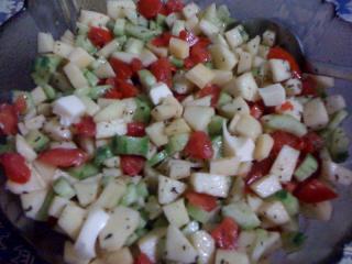 Recette salade concombres tomates et pommes - Salade de tomates simple ...